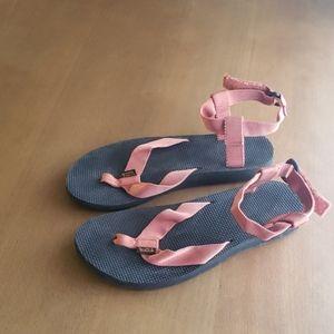 Teva original sandal womens size 9 orange/salmon